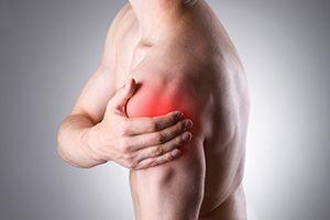 Болит справа на спине между лопаткой и позвоночником
