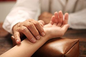 Левый сустав в тибетской медицине болит сустав на стопе у большого пальца